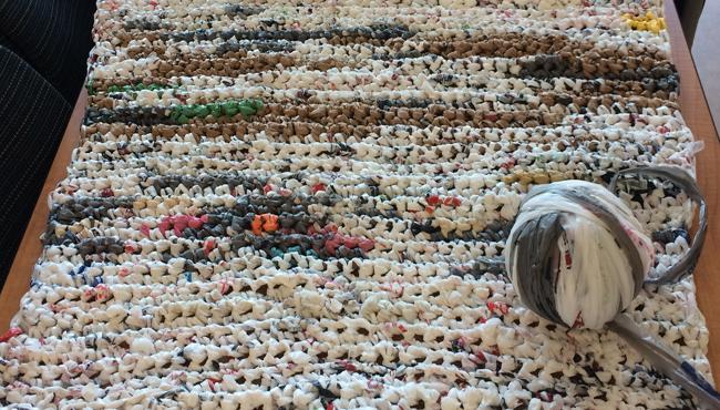plastic-bag-mats-homeless-1
